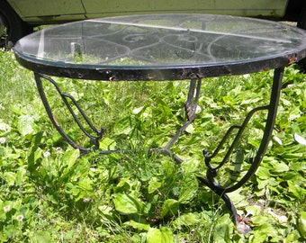 nice vintage 1960s WOODARD SALTERINI glass top round ivy iron outdoor lawn garden PATIO table pick up only