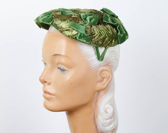 1950s Hat // Green Leaf Velvet Millinery Bow Trimmed Hat
