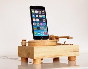 Turntable - docking station - iPhone / iPod / iPad Mini / iPad Air compatible - handmade