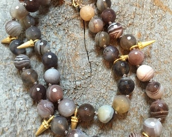 Agate and gold spike necklace