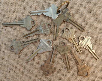 12 Brass Keys  ~  Industrial Craft Supplies  ~  Found Art Supplies  ~  Steampunk Supplies  ~  Junk Journal Supplies