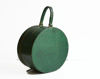 vintage 1940s round green train makeup case hat box suitcase