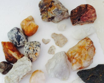 Rock and minerals - Rock Collection - gems - quartz crystal - science fair specimens