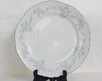 Mikasa Fine China Barbizon 9289 Japan 4 Dinner Plates Blue Roses Silver Edge
