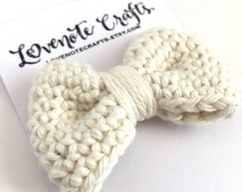 Crochet Hair Bow: Ivory Cream Neutral -  Crochet Hair Clip- Crochet Bowtie - Infant - Photography Props - Toddler - Wedding