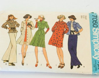 70s VTG Simplicity 7050 Dress and Top Pattern Small 8-10 Miss