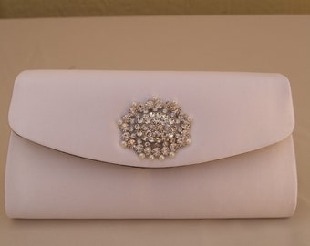 Brides White clutch bag Satin with crystals and pearls, White Satin Handbag, Evening Purse, Formal Clutch