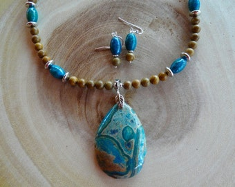 21 Inch Teal and Brown Jasper Pendant Necklace with Earrings