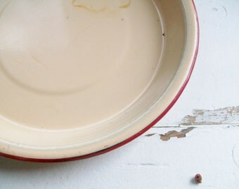 Vintage Enamel Plate Beige Enamel Dish Red Trim Pie Plate