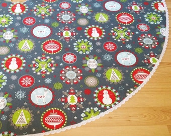 Holiday Print Tree Skirt - Charcoal Gray, Red, Green, White, FREE Shipping, Made in USA, Lace Trim
