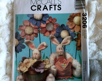 McCall's Craft Pattern 10 piece Cottontail Rabbit and Field Flowers 3206 Home Decor  UC FF