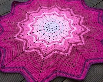 SALE - Star shaped baby blanket