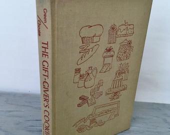 Vintage Cookbook - The Gift-Giver's Cookbook - 1971 - Recipe Book