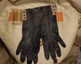 Vintage Brown Leather Gloves Women's Gloves 1960s Thin 2-Tone Brown Kid Gloves Button Detail Mod Boho Elegant High Fashion size 7 1/4