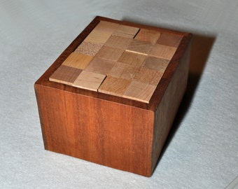 Executive Puzzle - Pentominoes : Cherry, Maple and Mahogany- with pattern booklet