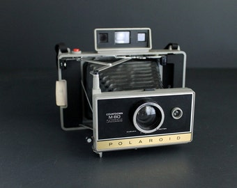 Vintage Polaroid Countdown M80 Automatic Land Camera Instamatic With Carrying and Storage Case