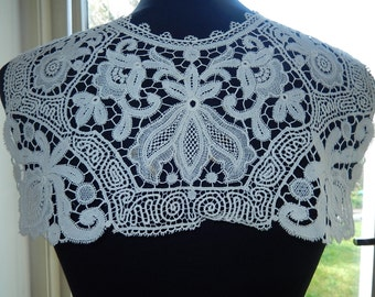 Edwardian era schiffli lace collar cape raised graphic floral design c 1910