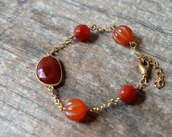 Minimalist carnelian bracelet Rust orange carnelian bezel bracelet Semi precious stone bead bracelet Gold chain bracelet Everyday jewelry