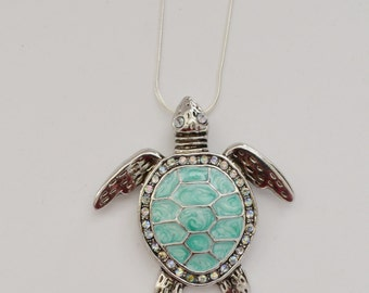 aqua sea turtle// rhinestone necklace
