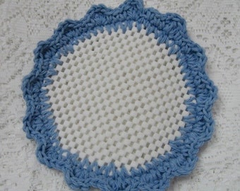 Crocheted Lid Jar Bottle Opener Medium Blue Scalloped Jar Grabber