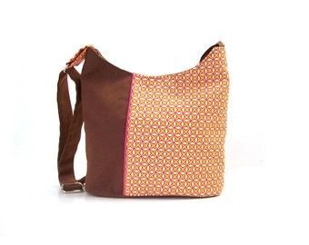 bucket bag brown and orange graphic fabric , crossbody bag in canvas , zippered shoulder bag  goemetric orange stars