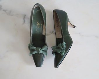 50s green leather pumps size 6.5N / vintage green heels