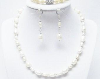 Natural White Fresh Water Pearl Choker Necklace/Bracelet/ Earrings Set