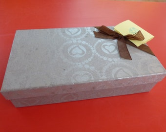 Gift wrap, Gift package