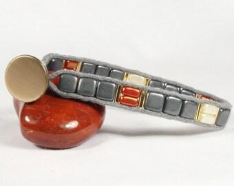 Gray and red bracelet, Square bead bracelet, Gold button, CarolMade Sw25