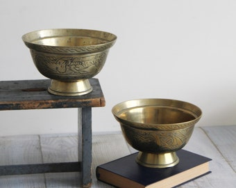 SALE - Vintage Brass Bowls - Pair of Oriental Etched Brass Bowls, Planters - Chinoiserie Decor