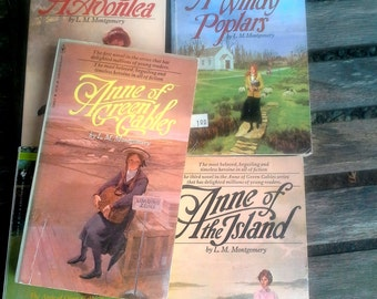 Anne of Green Gables Books, Lucy Maud Montgomery, set of 5 softcover books, Anne of Avonlea, Anne of the Island, Anne of Ingleside