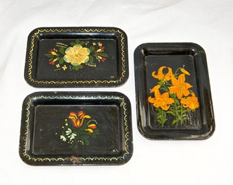 Three vintage tole trays…small tole trays…hand painted trays…rustic.