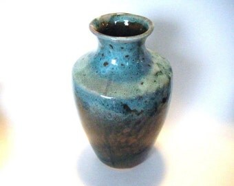 25% Off Storewide Sale Fabulous Mid Century Art Pottery Vase Signed By Artist