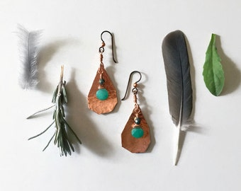 boho teardrop earrings // hammered copper jewelry
