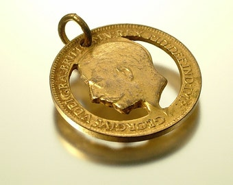 Vintage/ estate, WW1 1914 - 1919  trench art British farthing coin pendant / charm - jewelry jewellery
