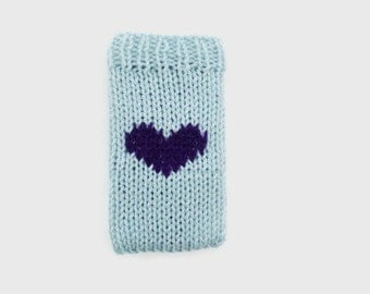 iPhone cozy | iPhone sleeve | heart iphone case | knitted phone case | cell phone cover | blue heart phone cover