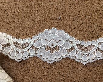 Alencon lace border, scallop border, lace scallop, ivory lace scallop