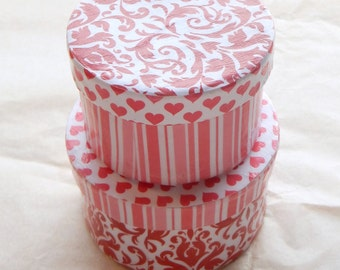 Miniature nesting trinket boxes, valentines gift boxes, hearts on boxes, decoupaged keepsake boxes
