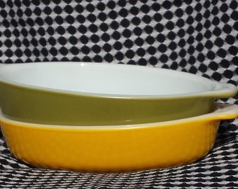 Yellow and Green Vintage Pyrex Mini Casserole Dishes- Set of 2