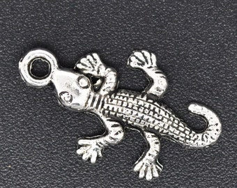 10 pieces Antique Silver Crocodile Charms