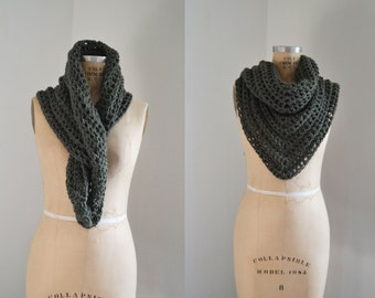 Crochet Shawl / Forest Green / Knit scarf / Knit Cowl / Triangle Scarf / Blanket Scarf / Wedding Shawl / Forest Green / Back to school