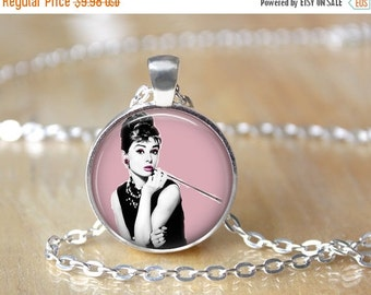 Audrey Hepburn Necklace - Holly Golightly - Breakfast at Tiffany's L34