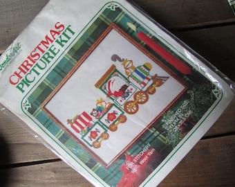 Vintage Santa Christmas Picture Kit Embroidery WonderArt Stitichery Kit
