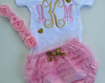 Baby Girls take home outfit- Personalized Baby Girls onesie -  ruffle bloomers with flowered headband- Monogram- So sweet.