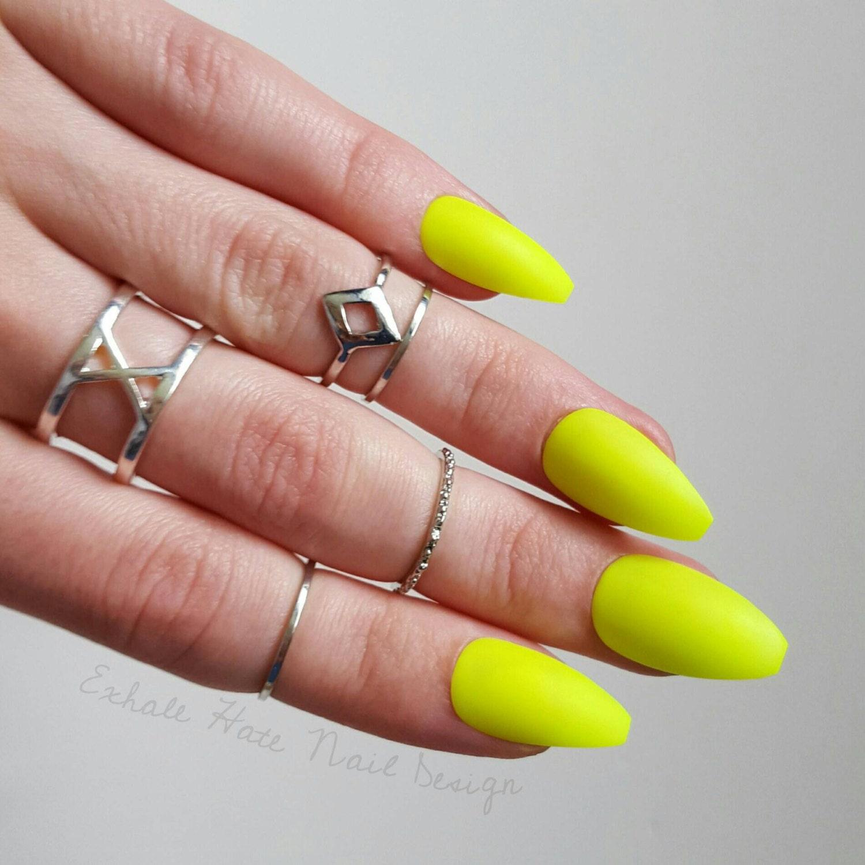 yellow matte nails - photo #6