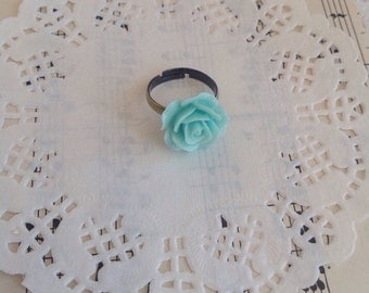 Adjustable Antique Bronze Ring with Resin Flower Cabochon 015