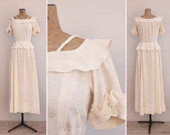 1940s Dress - Vintage Ivory Peplum Gown - La Espera Dress