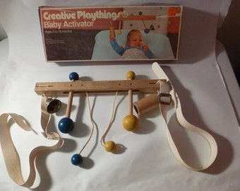 1960s CREATIVE PLAYTHINGS Baby Crib Activator Toy in Original Box Ages 3-18MO