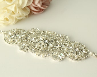 Rhinestone Applique / Bridal Applique /  Pearl and Rhinestone Beaded Applique / DIY bridal sash / (RA-40) Iron on
