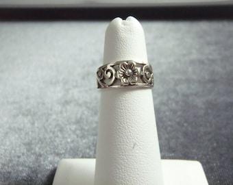 Sterling Silver Flower Toe Ring T6